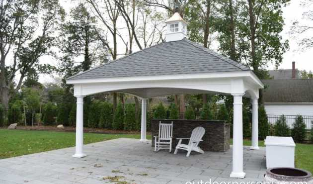 Hamilton Classic Pavilion - With graceful curves, the Hamilton Classic Pavilion is an instant favorite with homeowners.