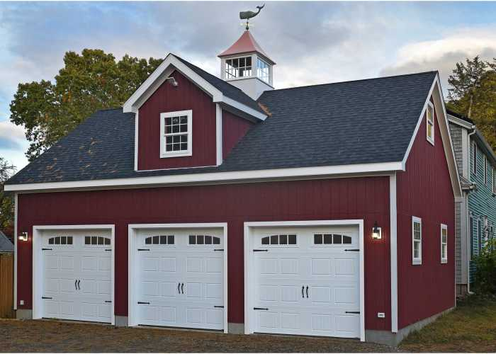 Custom 3 car garage in Ashland, Massachusetts
