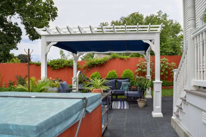 Custom Vinyl Pergola with EZ Shade