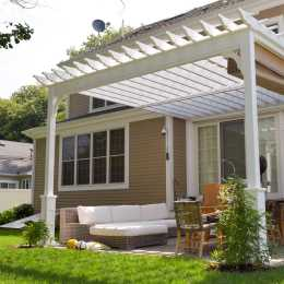 Pergola with open shade cover